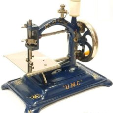 Antigüedades: ANTIGUA Y RARA MAQUINA DE COSER UMC RARE ANTIQUE BLUE SEWING MACHINE 1903. Lote 213479611