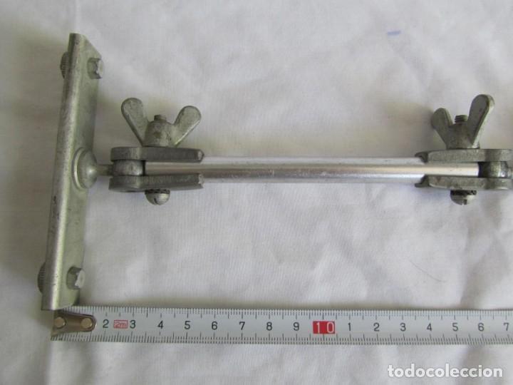 Antigüedades: Brazo articulado, para la sujeción de herramientas, iluminación, etc. Hierro y aluminio - Foto 3 - 213491428