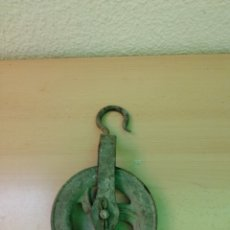 Antigüedades: ANTIGUA POLEA DE HIERRO. Lote 213508332
