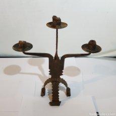 Antigüedades: CANDELABRO EN HIERRO FORJADO. Lote 213600816