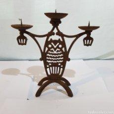 Antigüedades: CANDELABRO EN HIERRO FORJADO. Lote 213601072