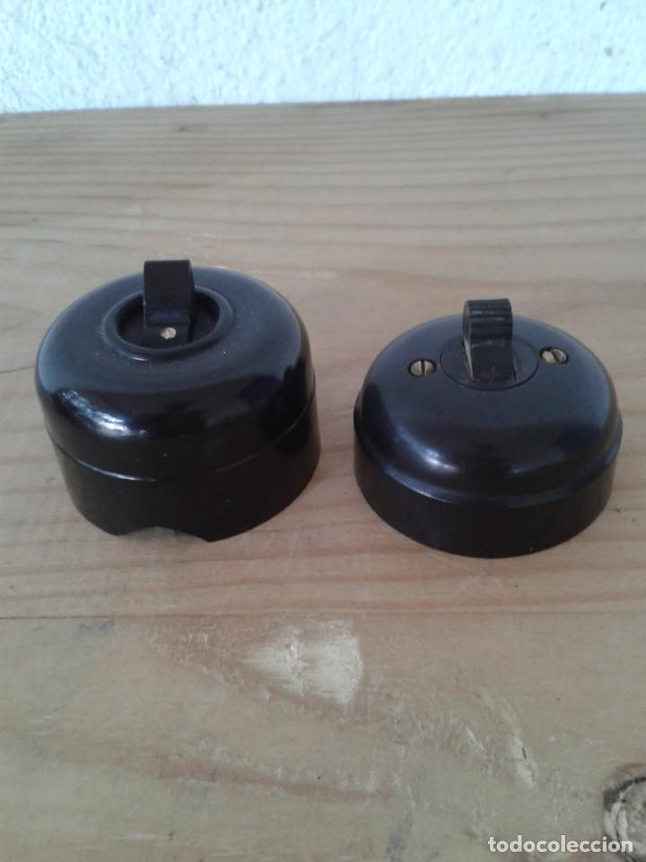 2 INTERRUPTORES BAQUELITA NEGROS (Antigüedades - Técnicas - Herramientas Profesionales - Electricidad)