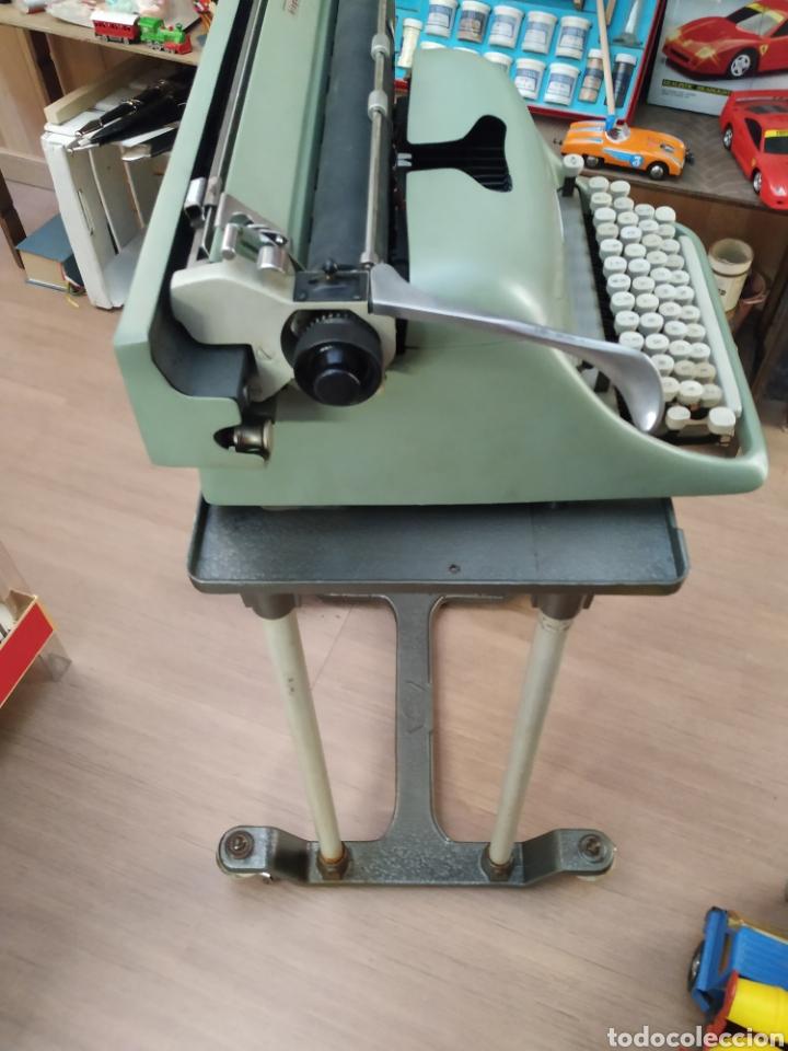 Antigüedades: Maquina de escribir Hispano olivetti lesicon 80 - Foto 8 - 213765073