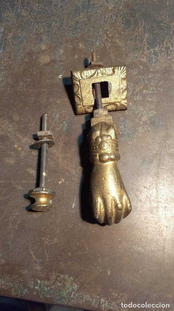 Antigüedades: Aldaba o pìcaporte mano de fátima. Antiguo original y completo - Foto 2 - 213862565