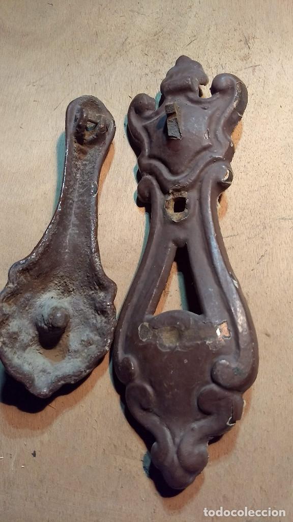 Antigüedades: Picador de puertas antiguo o picaporte. Cabeza de león - Foto 4 - 213886728