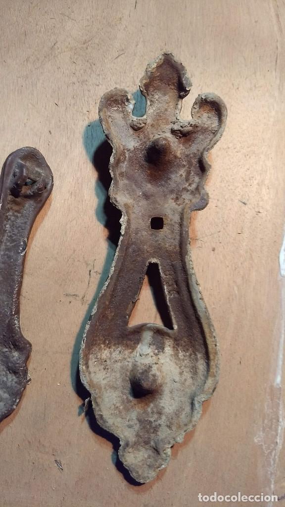 Antigüedades: Picador de puertas antiguo o picaporte. Cabeza de león - Foto 11 - 213886728