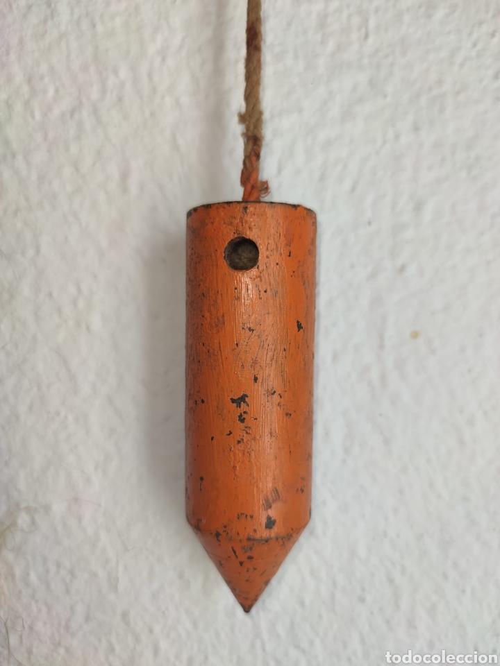 Antigüedades: ANTIGUO NIVEL - PLOMADA DE ALBAÑIL 11,5 CM - El puntero mide 11,5 cm. Pesa 756 gramos. - Foto 8 - 213982278