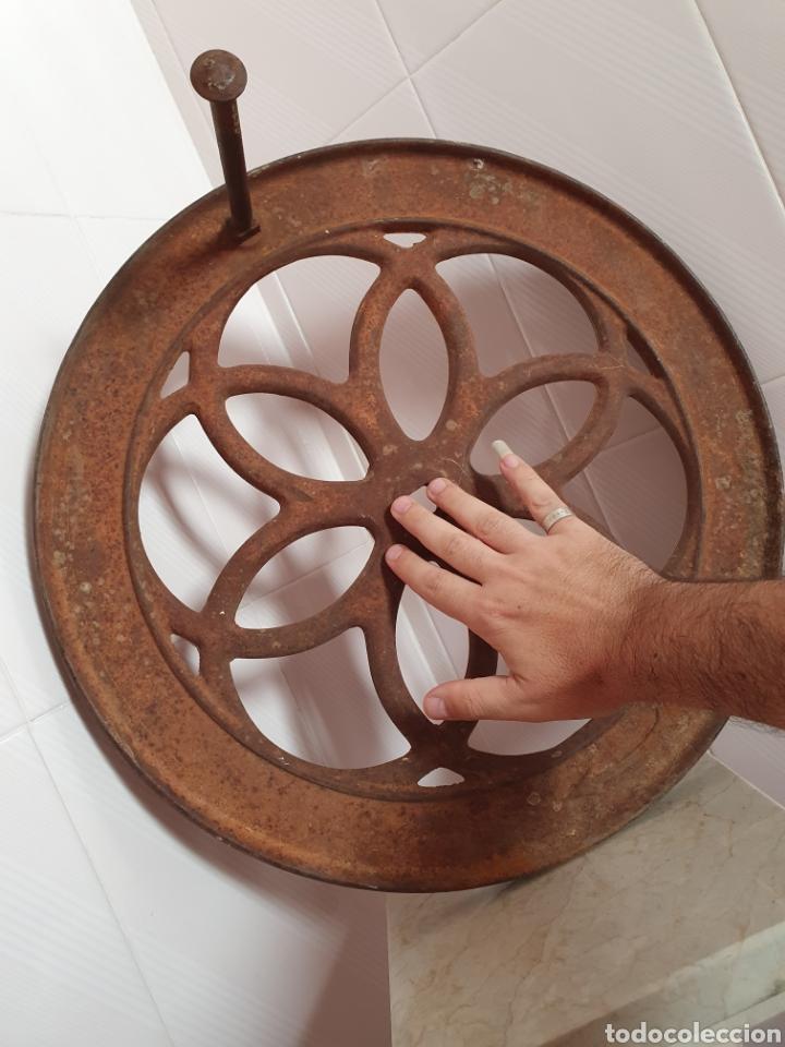Antigüedades: RECAMBIO PARA MOLINILLO GRAN RUEDA PERTENECIENTE A UN GRAN MOLINILLO DE CAFE - Foto 4 - 116360324