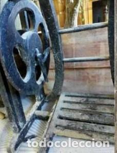 MAQUINA DE COSER ..WERTHEIM ...RARISIMA...MUEBLE TOTALMENTE EN MADERA (Antigüedades - Técnicas - Máquinas de Coser Antiguas - Wertheim )