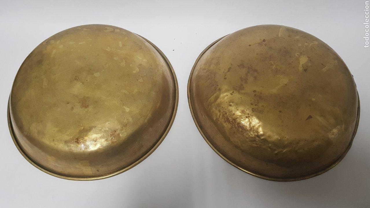 Antigüedades: Antigua Balanza de hierro y platos de latón - Foto 7 - 214201031