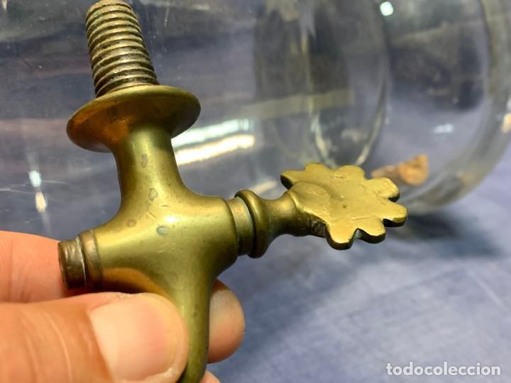 Antigüedades: deposito vidrio agua licor farmacia bar mostrador dispensador grifo bronce s xix francia 42x23cms - Foto 18 - 214212505