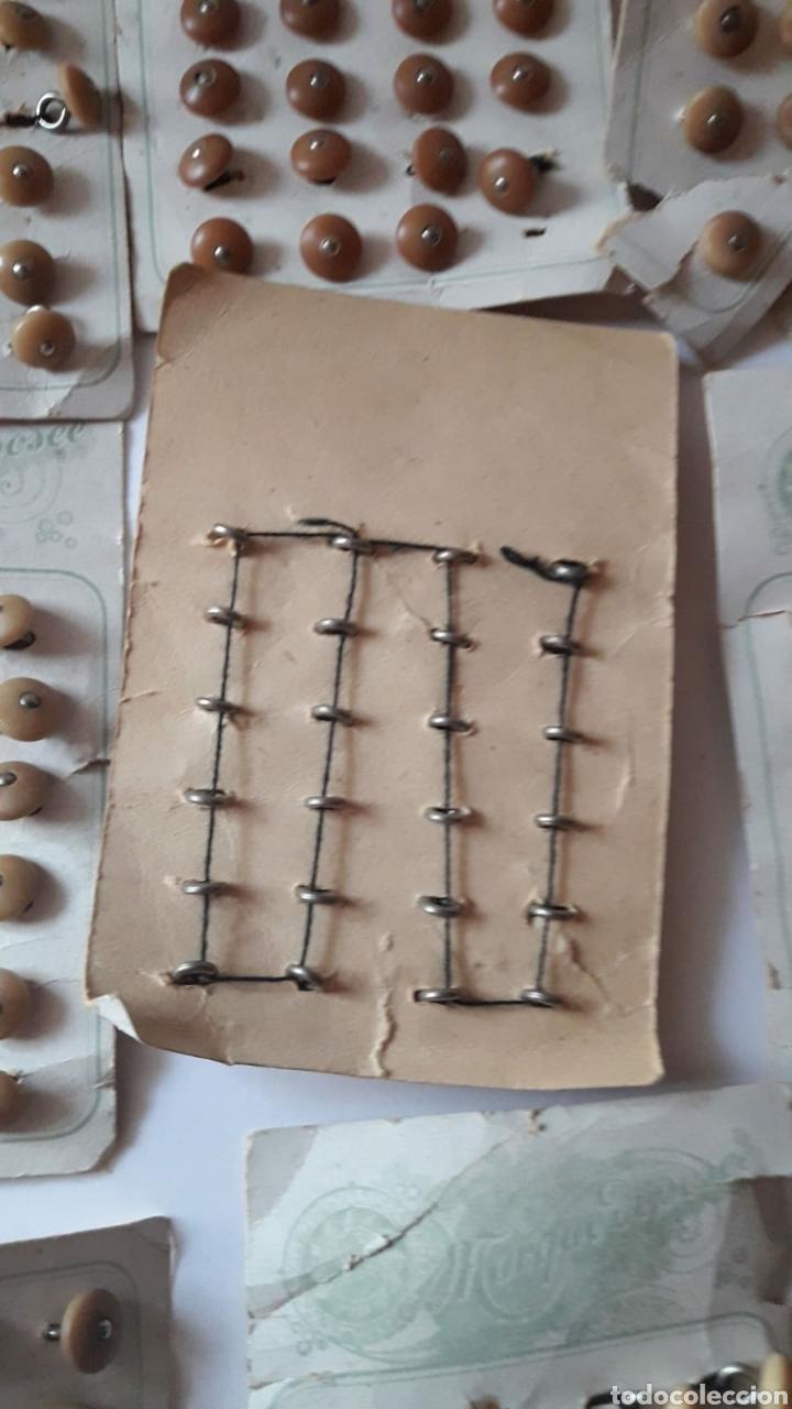 Antigüedades: Mas de 150 botones antiguos finales del siglo XIX PP XX. - Foto 2 - 214302606
