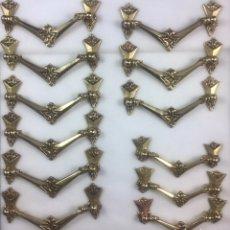 Antigüedades: LOTE DE 12 TIRADORES DE BRONCE RESTAURADOS DE MUEBLES ART DECO -(19622). Lote 214336131