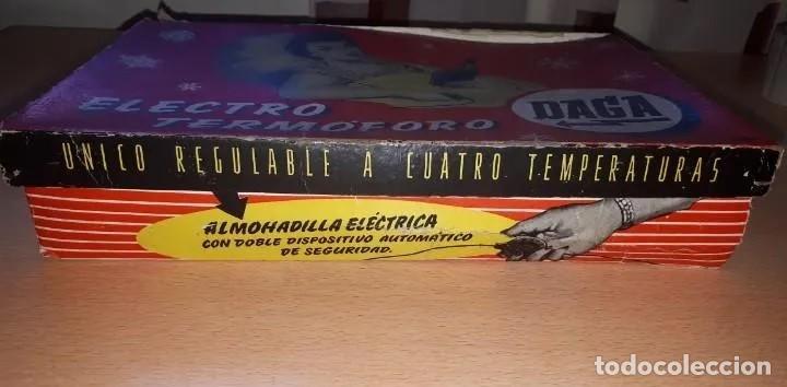 Antigüedades: MUY ANTIGUA ALMOHADILLA ELÉCTRICA DE LA CASA DAGA, PRIMER MODELO (1925-1940). TOTALMENTE NUEVA - Foto 2 - 214473583