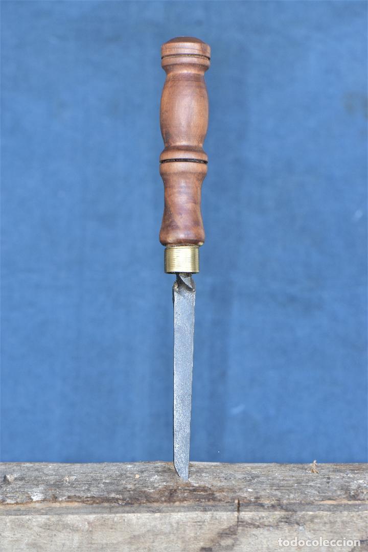 Antigüedades: FORMON DE HERRERO SIN MARCA DE 25 CM DE LARGO Y 6 MM DE CORTE - Foto 4 - 214703118