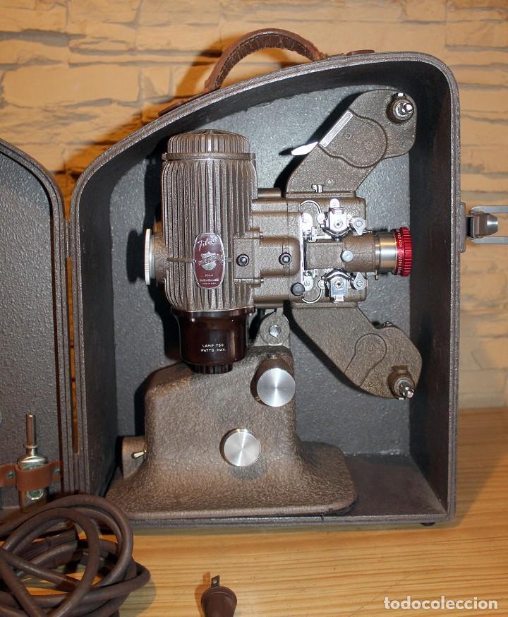 Antigüedades: ANTIGUO PROYECTOR BELL & HOWELL DIPLOMAT - 16mm - EN SU CAJA ORIGINAL - MUY BUEN ESTADO - Foto 2 - 214882676