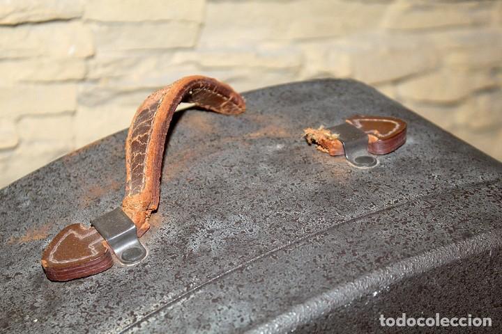 Antigüedades: ANTIGUO PROYECTOR BELL & HOWELL DIPLOMAT - 16mm - EN SU CAJA ORIGINAL - MUY BUEN ESTADO - Foto 8 - 214882676