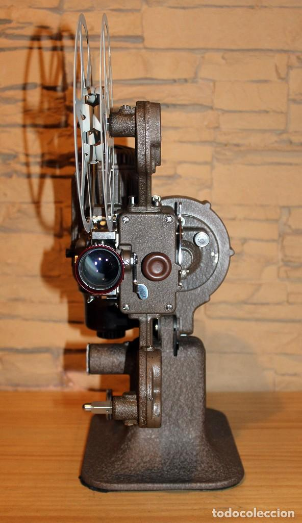Antigüedades: ANTIGUO PROYECTOR BELL & HOWELL DIPLOMAT - 16mm - EN SU CAJA ORIGINAL - MUY BUEN ESTADO - Foto 13 - 214882676