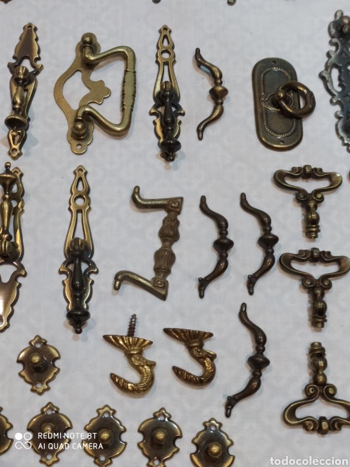 Antigüedades: Precioso lote de 39 tiradores de puertas - Foto 4 - 214946943