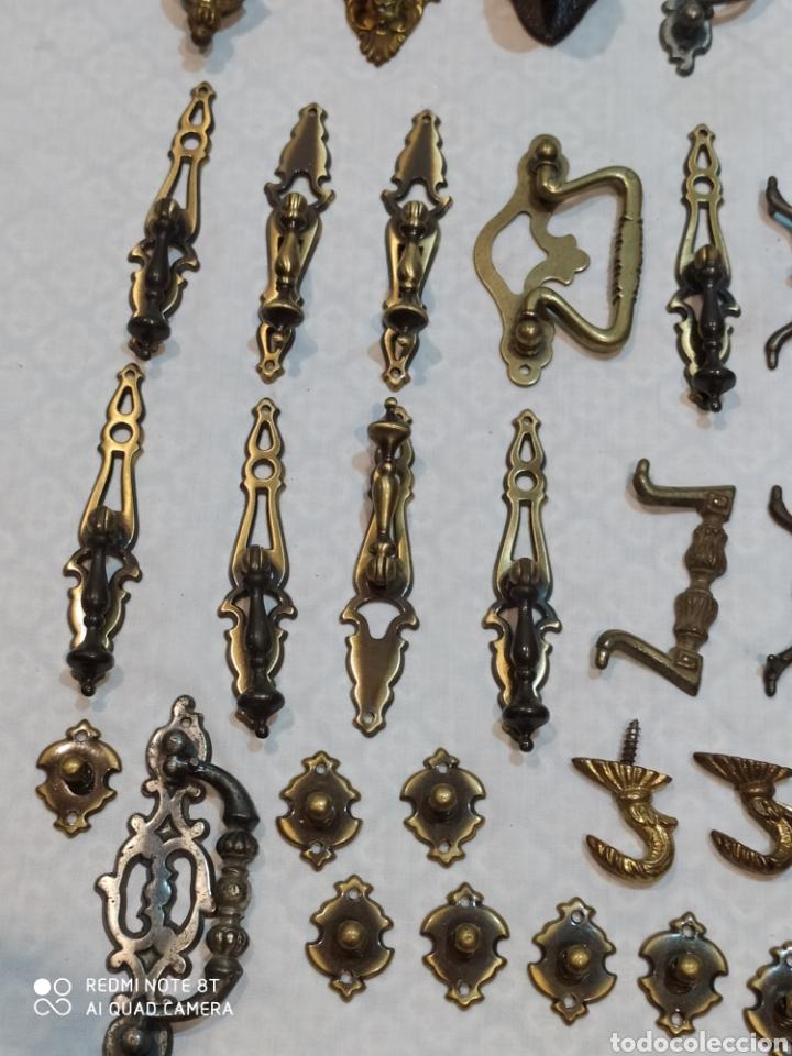 Antigüedades: Precioso lote de 39 tiradores de puertas - Foto 5 - 214946943