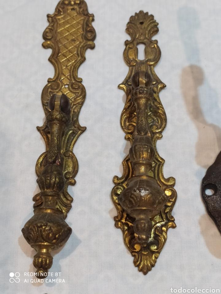 Antigüedades: Precioso lote de 39 tiradores de puertas - Foto 10 - 214946943
