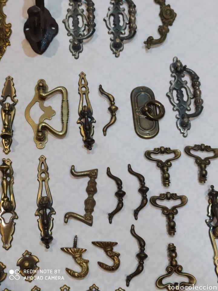 Antigüedades: Precioso lote de 39 tiradores de puertas - Foto 12 - 214946943
