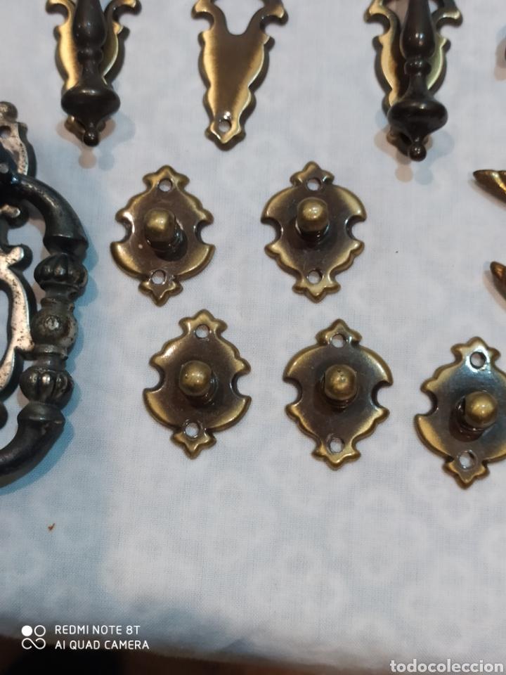 Antigüedades: Precioso lote de 39 tiradores de puertas - Foto 13 - 214946943
