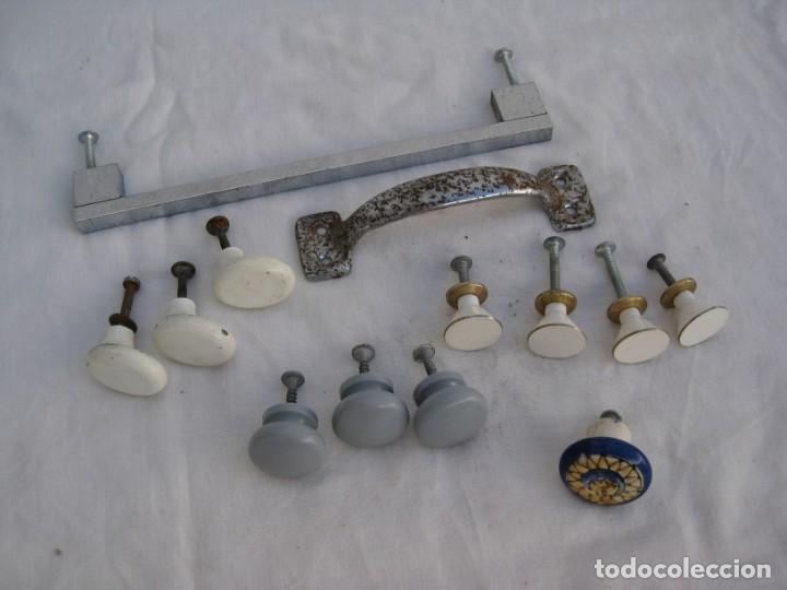 LOTE DE TIRADORES DE METAL...... (Antigüedades - Técnicas - Cerrajería y Forja - Tiradores Antiguos)