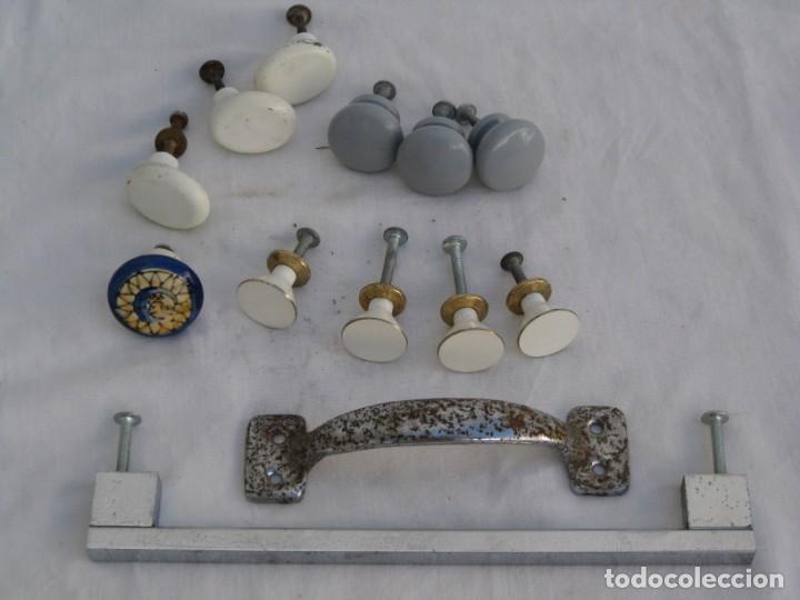 Antigüedades: Lote de tiradores de metal...... - Foto 8 - 215037381