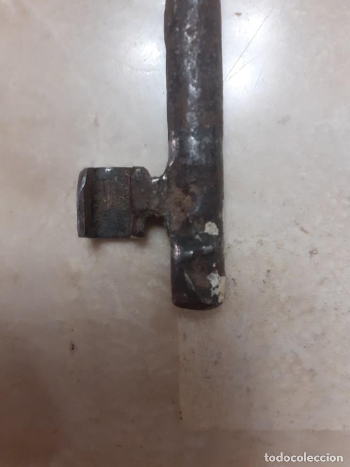 Antigüedades: Antigua llave de hierro del siglo XIX - Foto 2 - 215086886