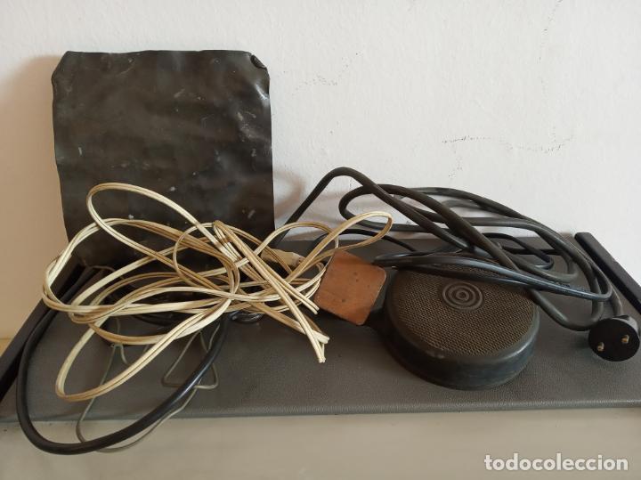 Antigüedades: Maquinaria y mobiliario de consulta de otorrinolaringólogo. Audímetro, cortelectrón, armarios, mesa. - Foto 23 - 215237870