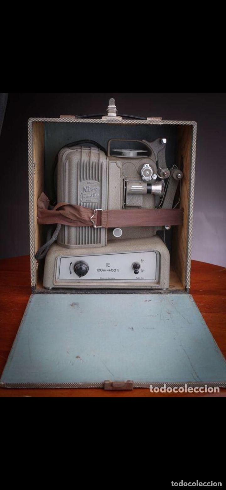 Antigüedades: Proyector Nizo Familia 8mm incluye caja y bombilla de repuesto - Foto 8 - 215303211