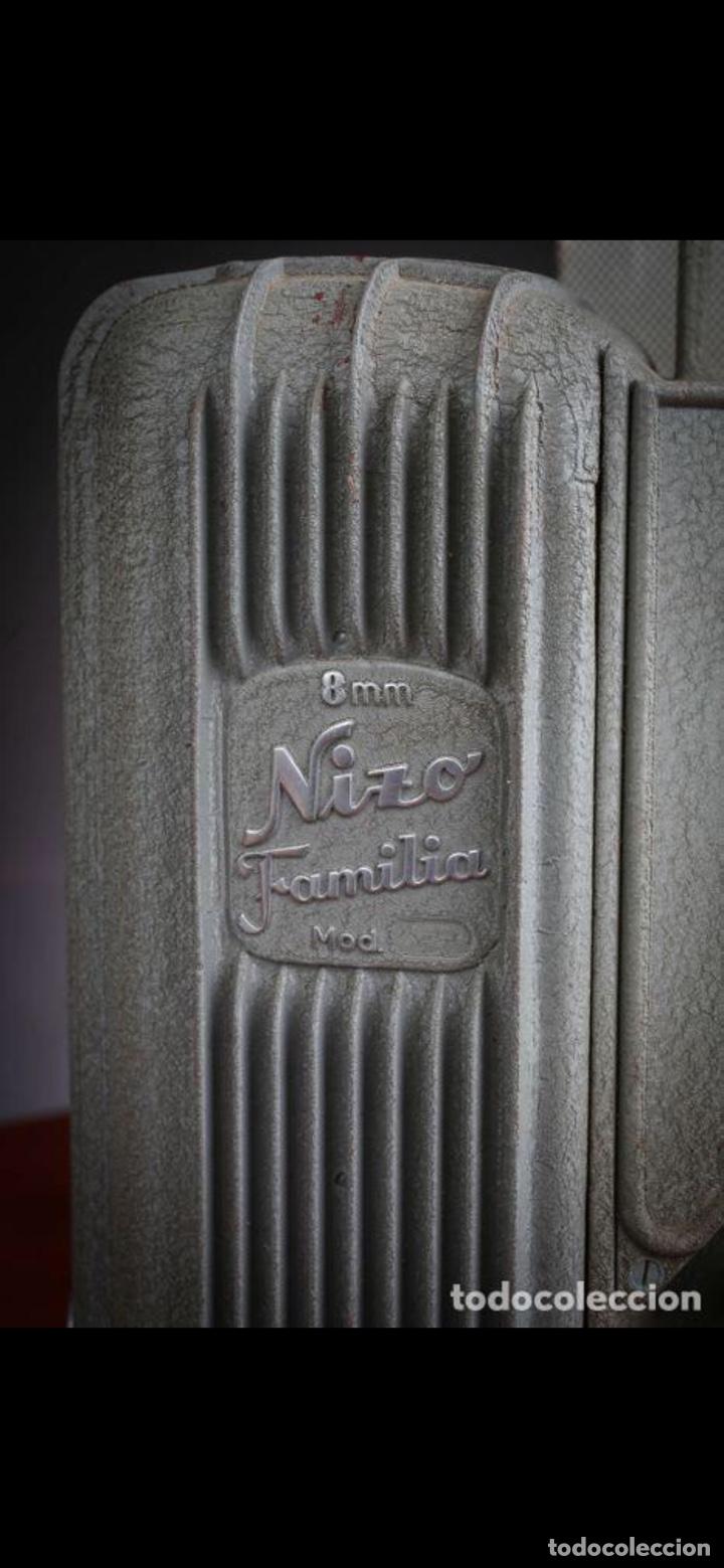 Antigüedades: Proyector Nizo Familia 8mm incluye caja y bombilla de repuesto - Foto 25 - 215303211