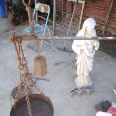 Antiquités: ANTIGUA ROMANA PESO HIERRO O BALANZA ANTIGUA LA PESA RARA EXAGONAL. Lote 215381937