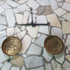 Antigüedades: ANTIGUA BASCULA. Lote 215421770