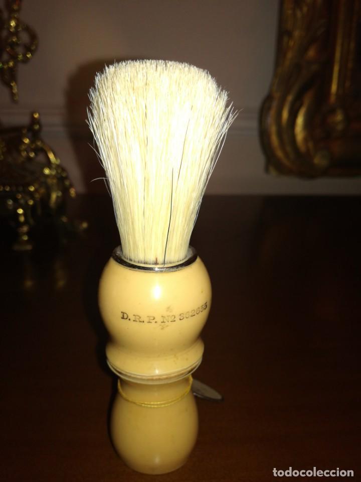 Antigüedades: Antigua brocha de afeitar sin uso oulkan - Foto 2 - 215574828