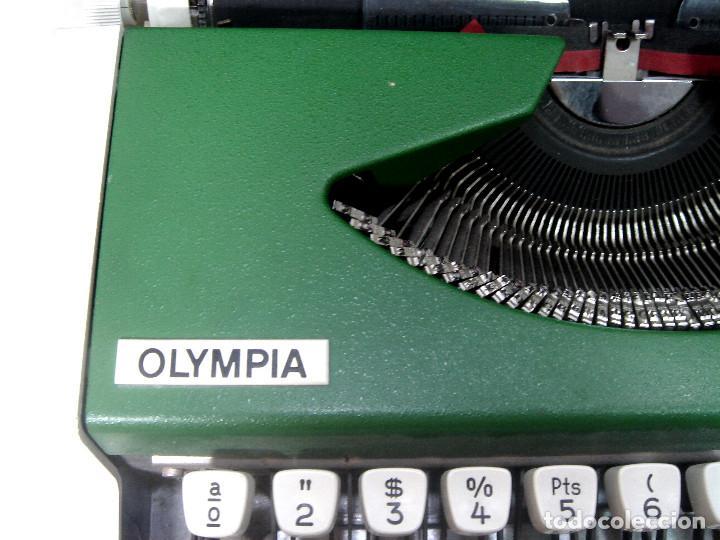 Antigüedades: PERFECTA¡¡ OLYMPIA TRAVELLER DE LUXE -COLOR VERDE CON Ñ- MAQUINA DE ESCRIBIR 1972/73 - OLIMPIA - Foto 2 - 215709852