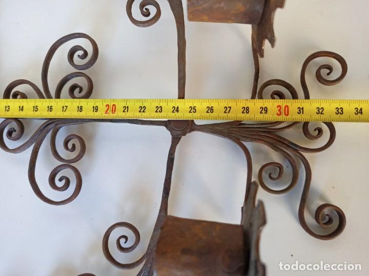 Antigüedades: Antiguo portavelas espetera en forja - Foto 4 - 215764443