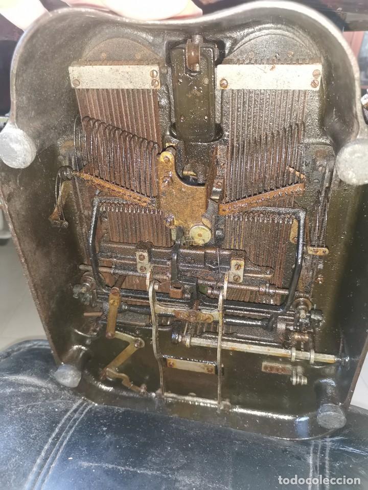 Antigüedades: Máquina de escribir americana, the Oliver typewriter. Número 5.1909 - Foto 3 - 215897580
