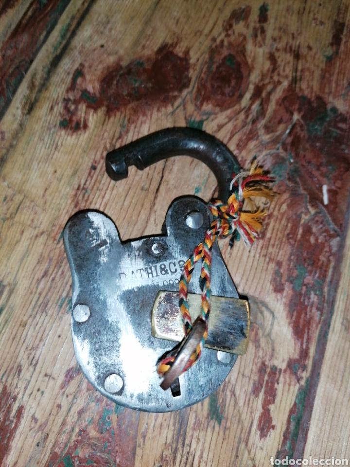 Antigüedades: Candado de forja antiguo - Foto 2 - 215980332