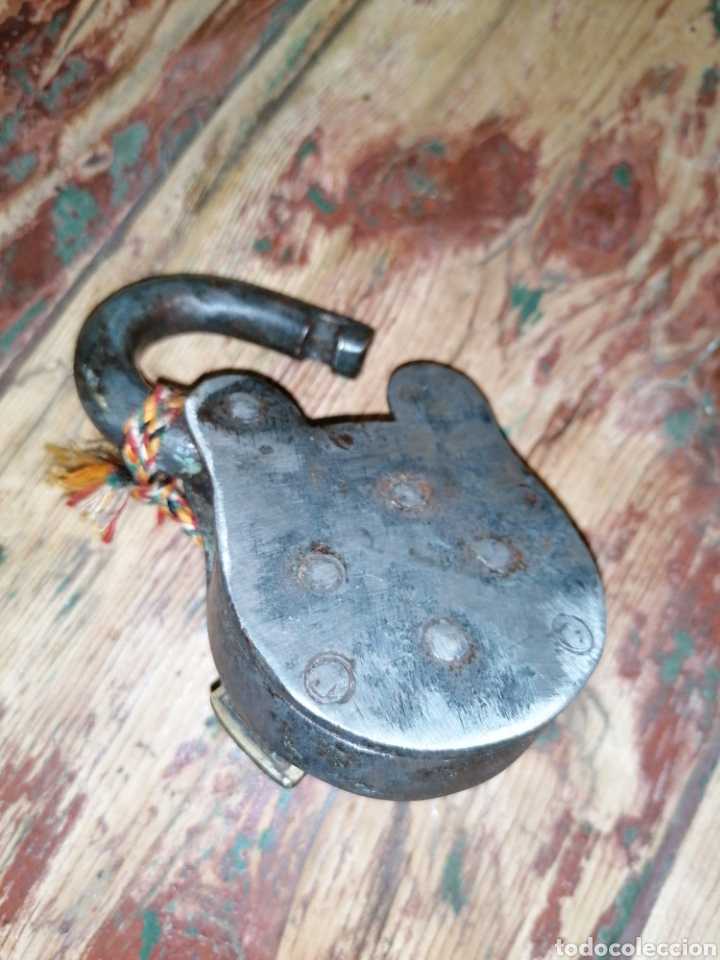 Antigüedades: Candado de forja antiguo - Foto 3 - 215980332
