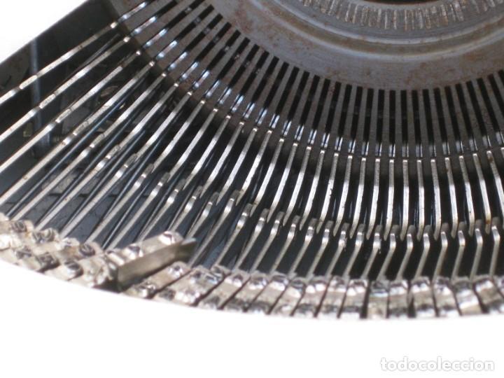 Antigüedades: Maquina escribir Olympia. Traveller de Luxe. - Foto 3 - 215982575