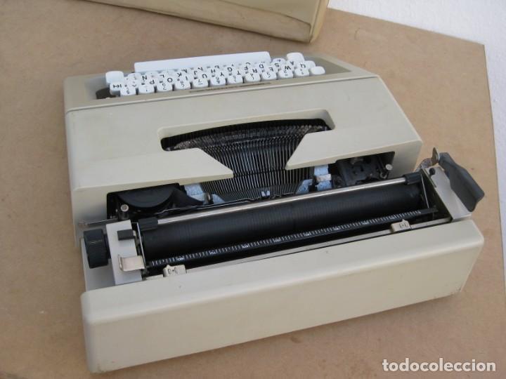 Antigüedades: Maquina escribir Olivetti Lettera 25 - Foto 12 - 215983865