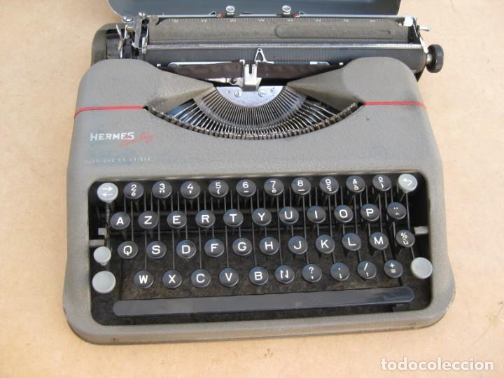 Antigüedades: Maquina escribir antigua. Hermes Baby. Suisse. - Foto 2 - 215985987