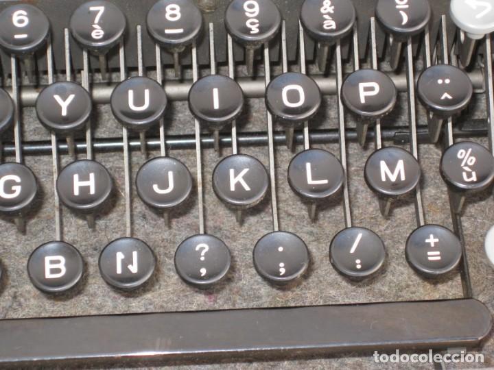 Antigüedades: Maquina escribir antigua. Hermes Baby. Suisse. - Foto 8 - 215985987