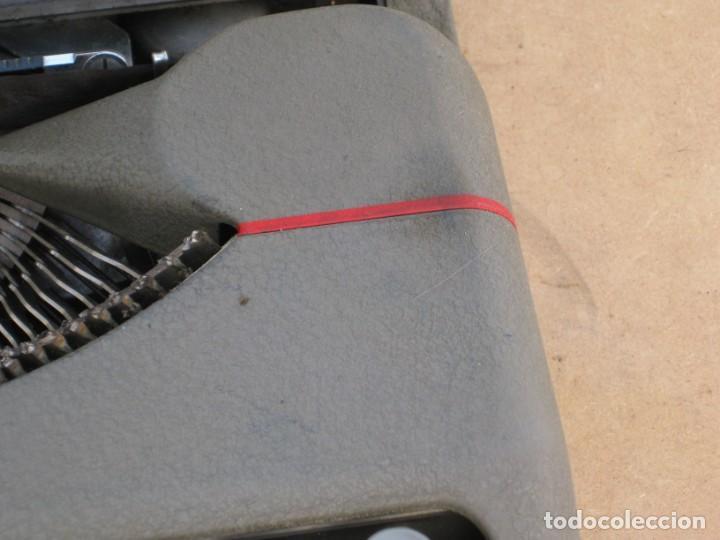 Antigüedades: Maquina escribir antigua. Hermes Baby. Suisse. - Foto 9 - 215985987
