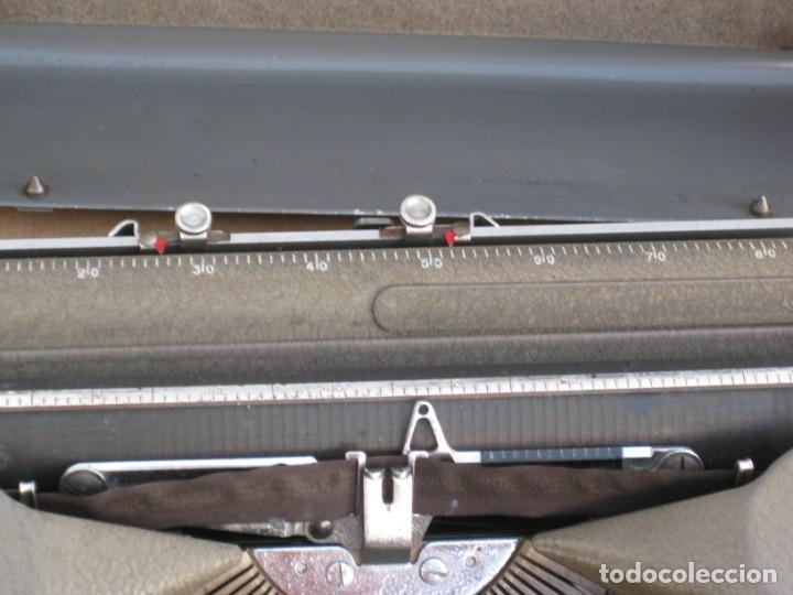 Antigüedades: Maquina escribir antigua. Hermes Baby. Suisse. - Foto 10 - 215985987