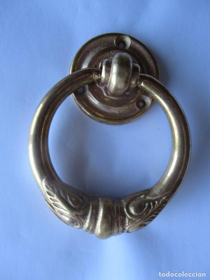 ALDABA - PICAPORTE ANILLA EN BRONCE 10 CM. DE DIÁMETRO (Antigüedades - Técnicas - Cerrajería y Forja - Aldabas Antiguas)