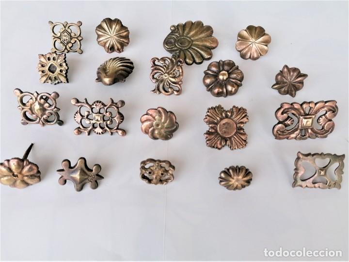 COLECCION 19 ANTIGUOS BRONCES DECORATIVOS SIGLO XIX, PARA MUEBLES,BARCOS,CARROZAS,CABALLOS,CATALUNYA (Antigüedades - Técnicas - Cerrajería y Forja - Clavos Antiguos)