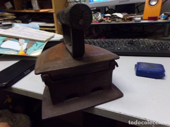 Antigüedades: plancha antigua de hierro forjado special asia 10 marce parece pone testeo - Foto 5 - 216424288